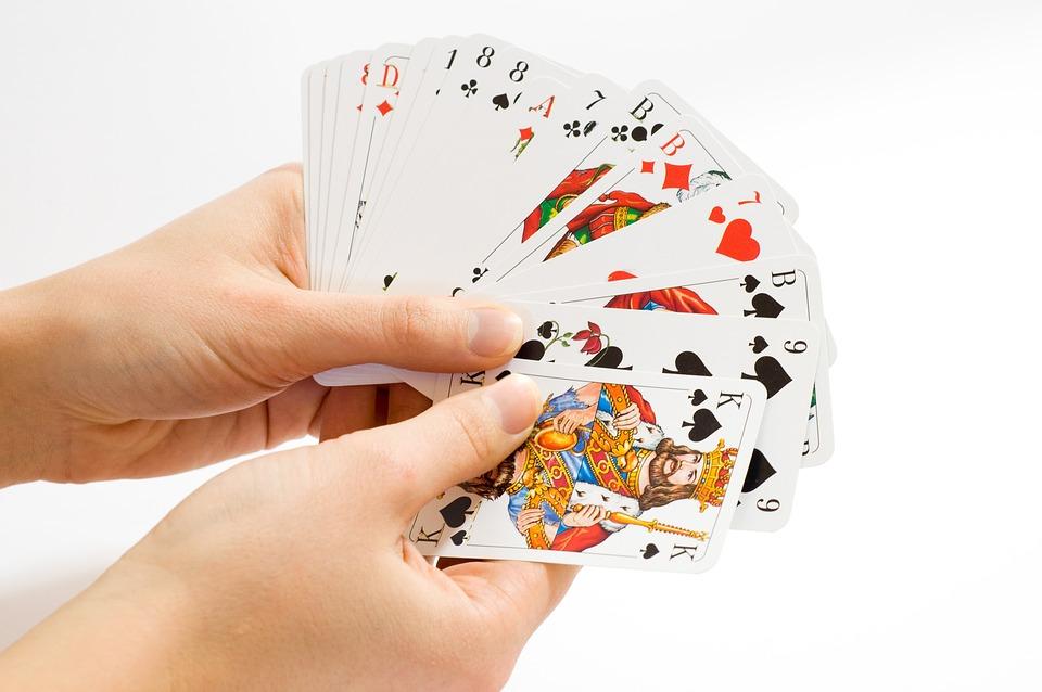 card-game-1834640_960_720 Les clés pour devenir un bon joueur de poker en ligne